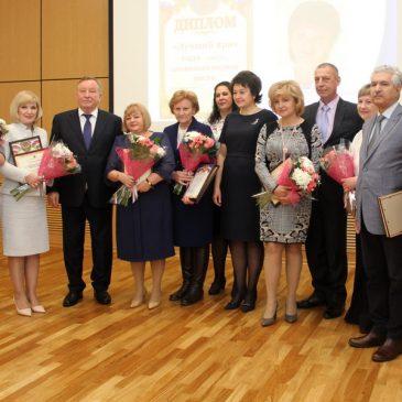 Среди лучших врачей края трое сотрудники Алтайской краевой клинической детской больницы