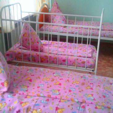 В инфекционном стационаре Алтайского краевого клинического центра охраны материнства и детства начали менять мебель и мягкий инвентарь