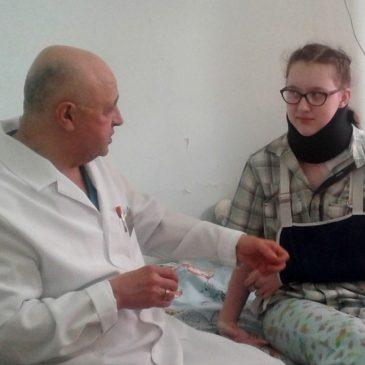 Ортопеды Алтайского краевого клинического центра охраны материнства и детства сделали редкую операцию жительнице Барнаула при синдроме выхода из грудной клетки