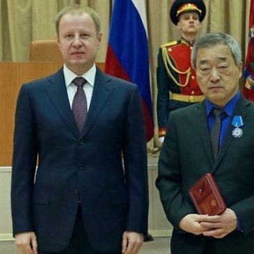 Губернатор Алтайского края вручил  государственную награду заместителю главного врача Центра охраны материнства и детства