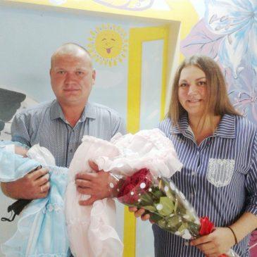 Четыре двойни за майские праздники: в Центре охраны материнства и детства установлен своеобразный рекорд